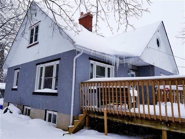 371 york street, Mount Forest Ontario, Canada