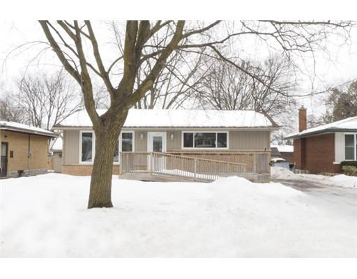 54 maywood rd, Kitchener Ontario, Canada