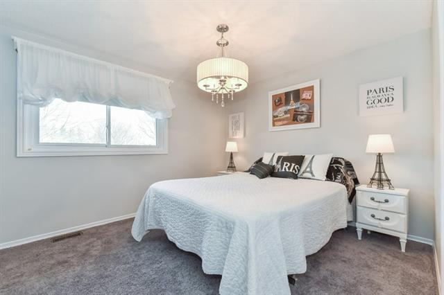 371 CRIMSON Drive, Waterloo, Ontario